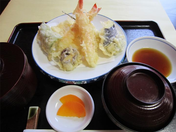 天ぷら定食・・・1,200円+税