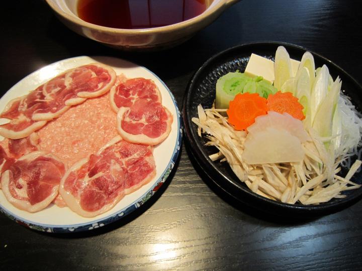 カモ鍋・・・1,200円+税(1人前)