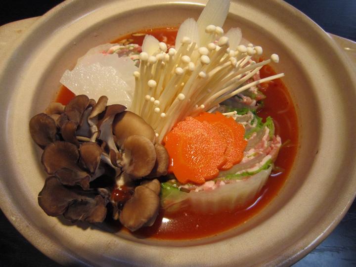 豚キムチ鍋・・・1,000円+税(1人前)